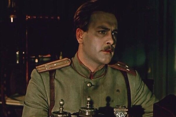 кадры и фото из фильма Восемнадцатый год