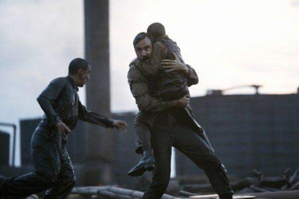 кадры и фото из фильма Нефть