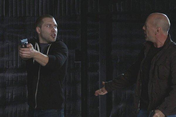 кадры и фото из фильма Крепкий орешек: Хороший день, чтобы умереть