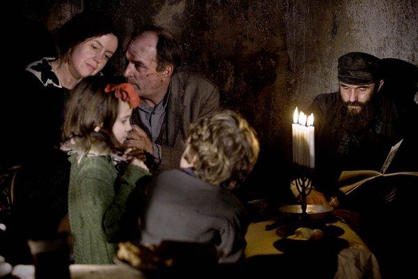 кадры и фото из фильма В темноте