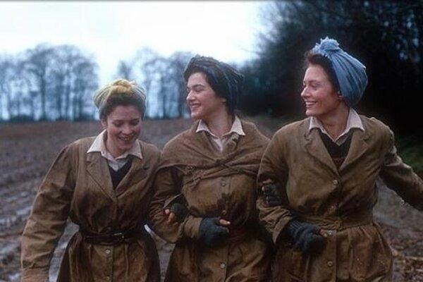 кадры и фото из фильма Три англичанки за городом