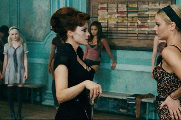 кадры и фото из фильма Запрещенный прием