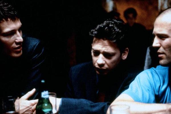 кадры и фото из фильма Карты, деньги, два ствола