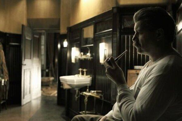 """кадры и фото из фильма Отель """"Люкс"""""""