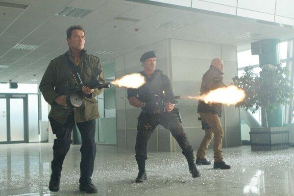 кадры и фото из фильма Неудержимые 2