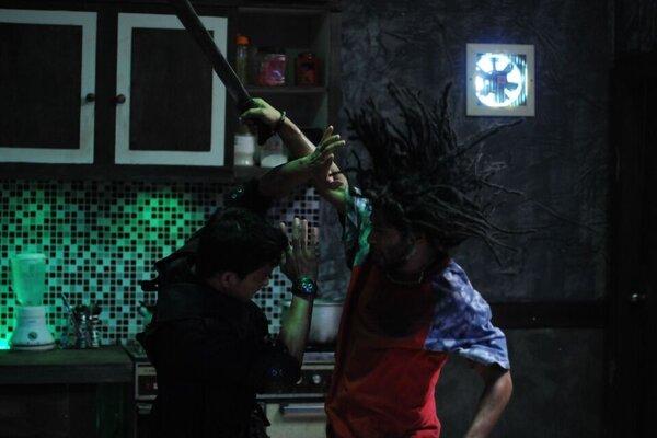кадры и фото из фильма Рейд