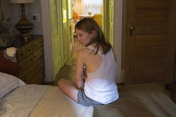 кадры и фото из фильма Голодные сердца