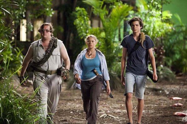 кадры и фото из фильма Возвращение на остров Ним