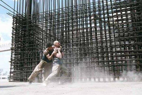 кадры и фото из фильма 13-й район