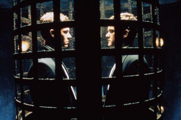 кадры и фото из фильма Черепа