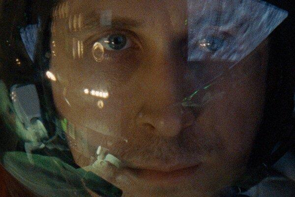 кадры и фото из фильма Человек на Луне