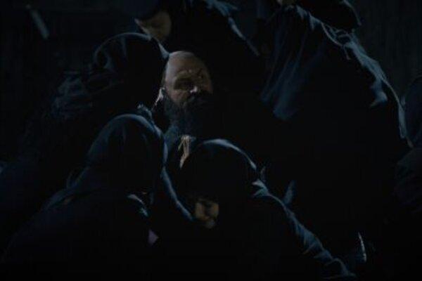 кадры и фото из фильма За холмами