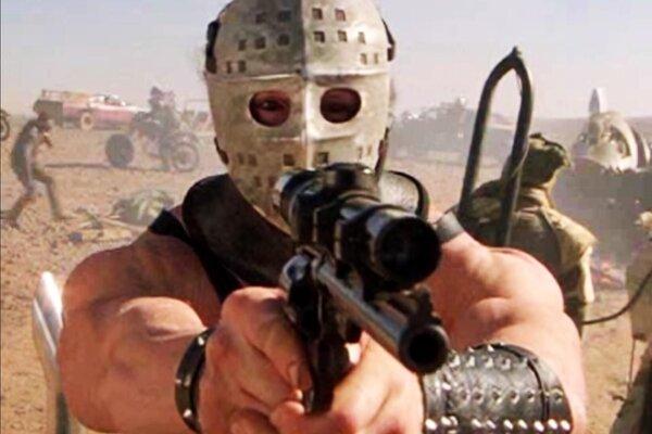 кадры и фото из фильма Безумный Макс 2: Воин дороги