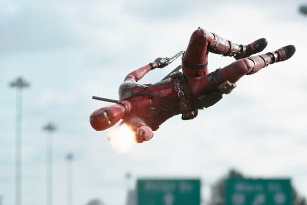 кадры и фото из фильма Дэдпул IMAX