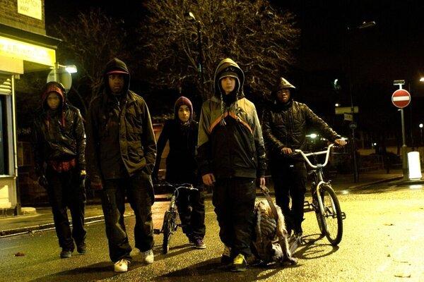 кадры и фото из фильма Чужие на районе