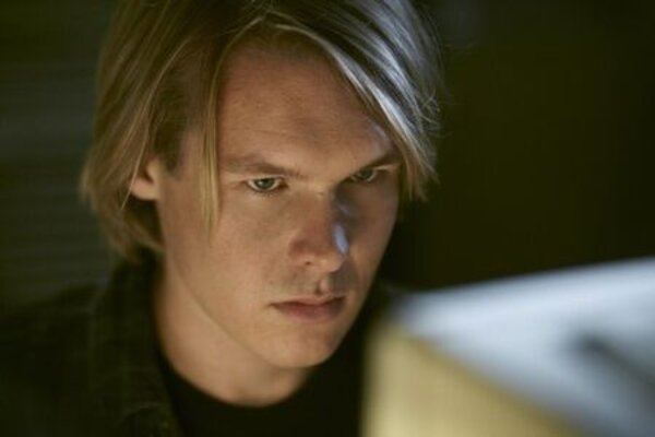 кадры и фото из фильма Underground: The Julian Assange Story