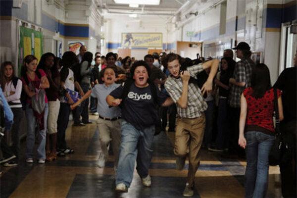 кадры и фото из фильма Школа выживания