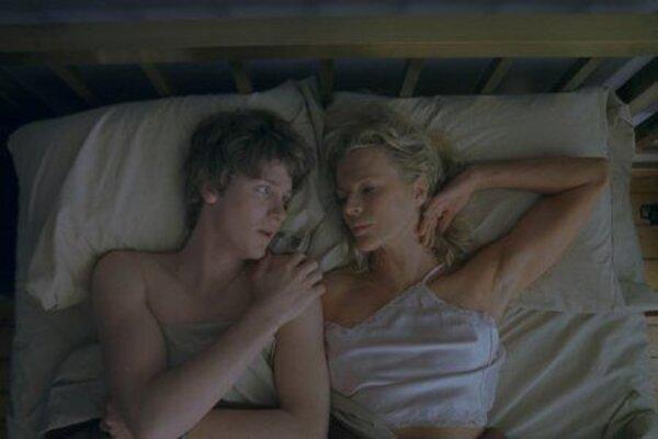 кадры и фото из фильма Дверь в полу