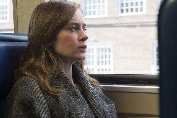 кадры и фото из фильма Девушка в поезде