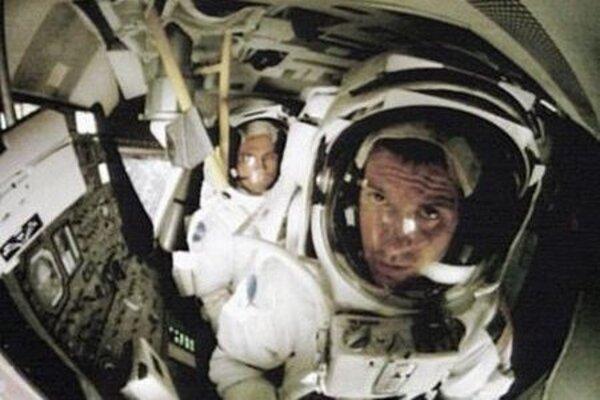 кадры и фото из фильма Аполлон 18