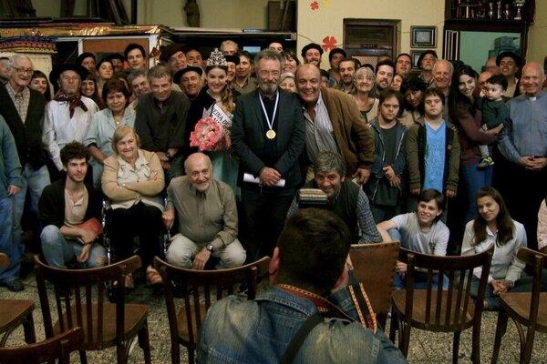 кадры и фото из фильма Почетный гражданин