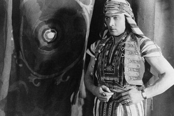 кадры и фото из фильма Сын шейха
