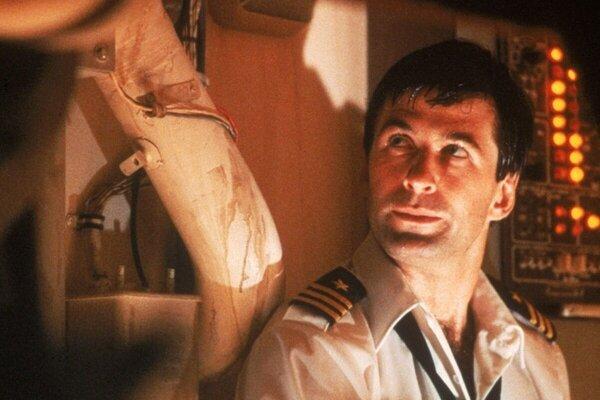 кадры и фото из фильма Охота за «Красным Октябрем»