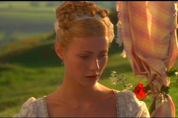 кадры и фото из фильма Эмма