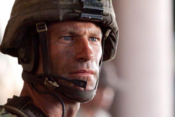 кадры и фото из фильма Инопланетное вторжение: Битва за Лос-Анджелес