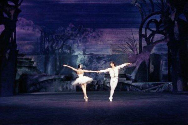кадры и фото из фильма Нуриев и Фонтейн: Лебединое озеро