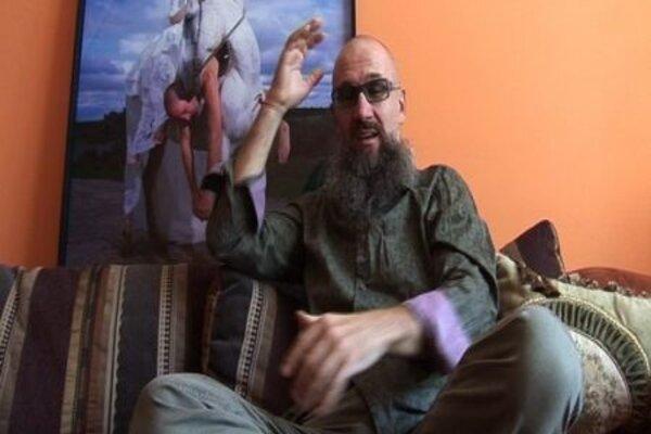 кадры и фото из фильма Олег Кулик: Вызов и Провокация