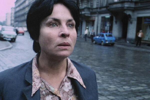 кадры и фото из фильма Одинокая женщина