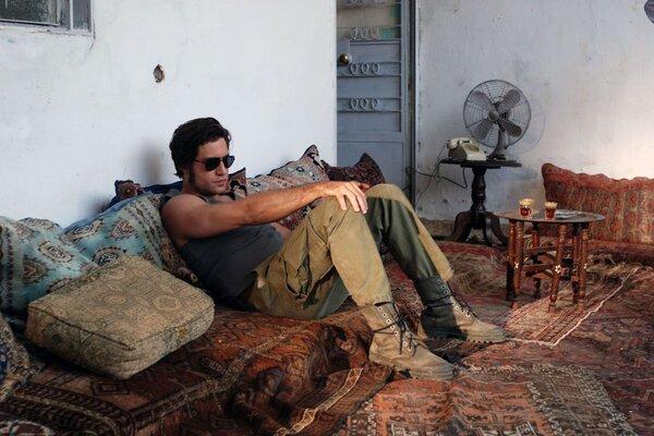 кадры и фото из фильма Карлос