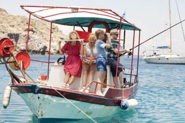 кадры и фото из фильма Все включено: Каникулы в Греции
