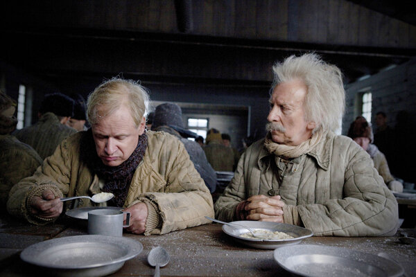 кадры и фото из фильма Столетний старик, который вылез в окно и исчез