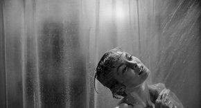 К юбилею «Психо»: культовую сцену в душе пересняли с 60 актрисами