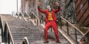 Лестница из «Джокера» превратилась в туристическую достопримечательность Нью-Йорка