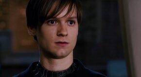 Видео дня: Тоби Магуайра заменили на Тома Холланда в образе «эмо» Человека-паука