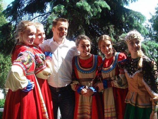 Кто из всенародных артистов приедет накинофестиваль «Владимирская вишня»?