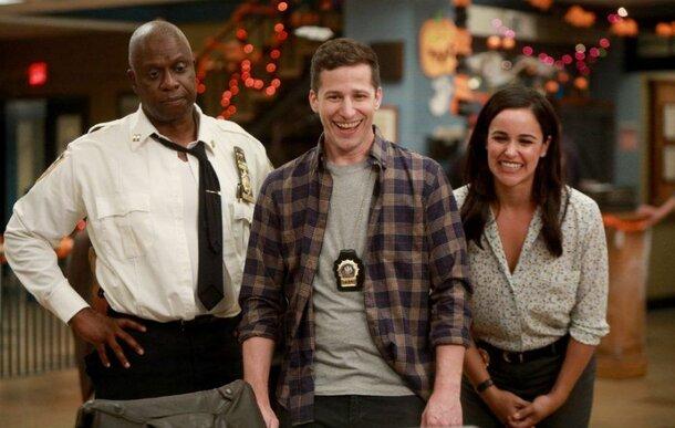 Дикие танцы Энди Сэмберга: Тизер 6 сезона сериала «Бруклин 9-9»
