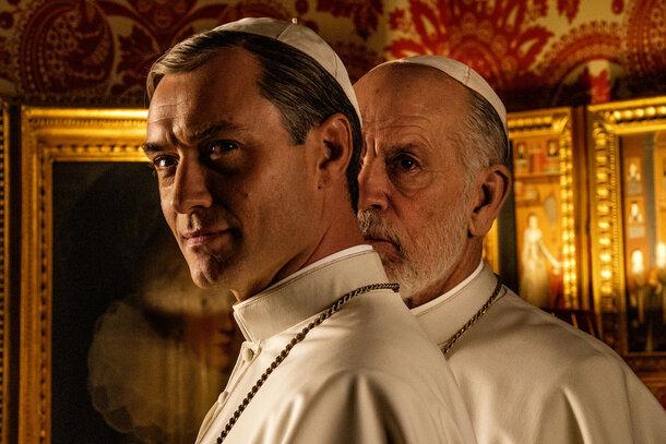 Джон Малкович приходит на замену Джуду Лоу в трейлере продолжения «Молодого Папы»