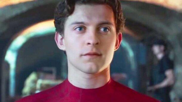 Видео дня: Тома Холланда заменили на Тоби Магуайра в «Человеке-пауке: Вдали от дома»