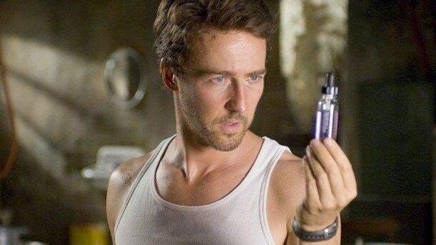 Marvel отказалась от идеи Эдварда Нортона сделать из Халка подобие нолановского Темного рыцаря