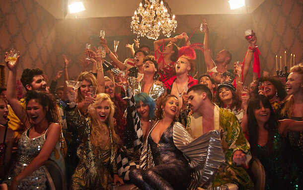 «Богемскую рапсодию» и другие песни Queen перепели известные музыканты из 18 стран