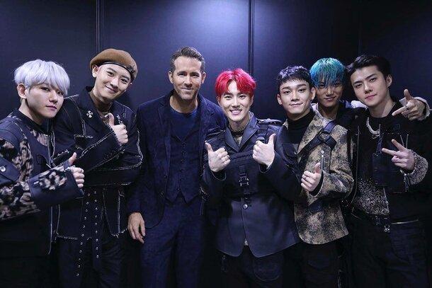 Фото: Райан Рейнольдс познакомился с EXO на премьере «Шестеро в подполье»