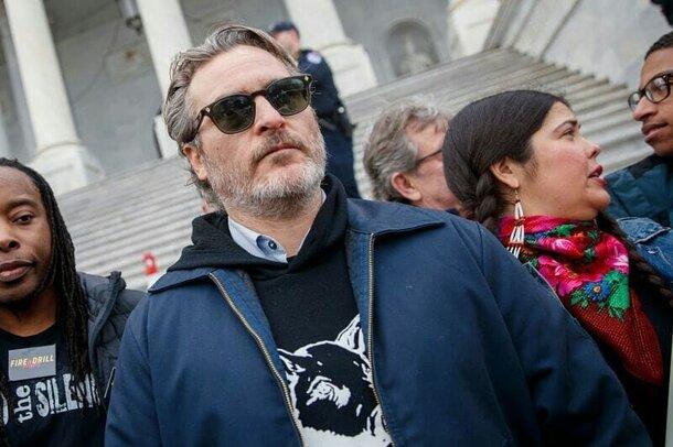 Хоакин Феникс арестован за участие в «зелёном» митинге