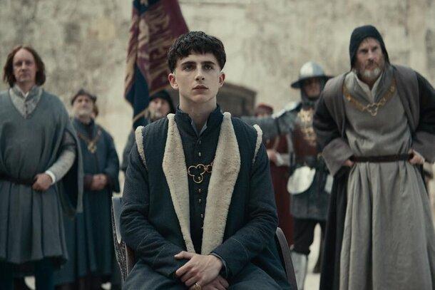 Назови меня Генрихом VI: «Король» с Тимоти Шаламе и Робертом Паттинсоном