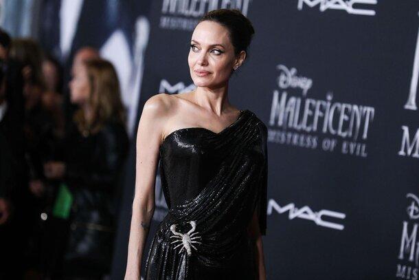 Анджелина Джоли привела детей на премьеру «Малефисенты 2»