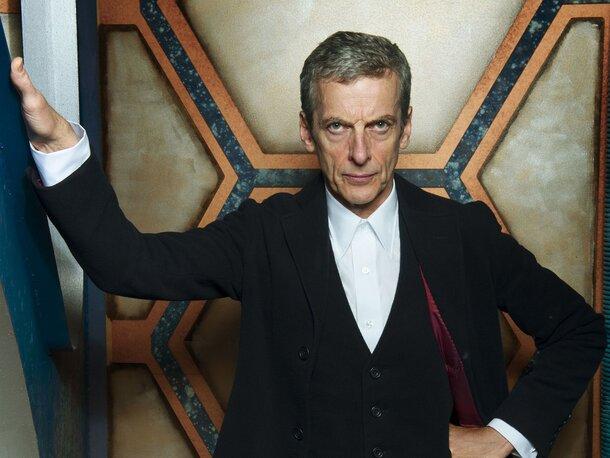 «Доктор Кто» Питер Капальди побрился налысо для роли в «Отряде самоубийц»