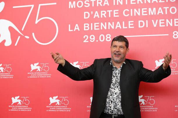 Интервью с Пьером Шоллером, режиссером картины «Один король -одна Франция»